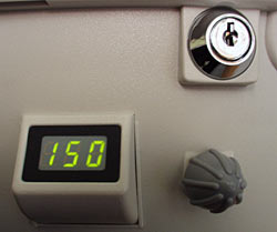 Control knob, display and lock